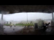 4.Jan.2014 Regenaufnahme Tankstelle bei Guarapuava